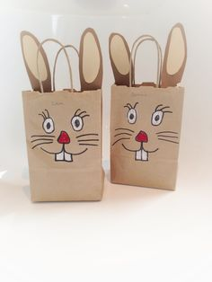 Hasen Tüte crafts for kindergarten Happy Easter, Easter Bunny, Bunny Bags, About Easter, Diy Ostern, Easter Activities, Easter Celebration, Easter Treats, Spring Crafts