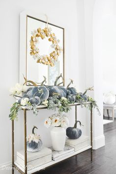 Step by Step Tabletop Pumpkin Styling - Decor Gold Designs Homemade Halloween Decorations, Thanksgiving Decorations, Seasonal Decor, Table Decorations, Fall Entryway, Entryway Decor, Fall Home Decor, Autumn Home, White Console Table