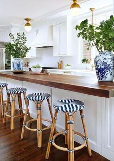 Will I ever tire of white kitchens with blue and white accents? Blue & White rattan counter stools with wood countertop on the island. - Counter Stools - Ideas of Counter Stools Kitchen Bar Design, Best Kitchen Designs, Kitchen Decor, Diy Kitchen, Kitchen Ideas, Butcher Block Kitchen, Grey Kitchen Cabinets, Kitchen Island, Kitchen White