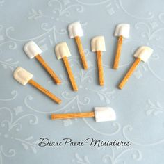 Kitchen Spatula  IVORY  Dollhouse Miniature by IGMA by dpaone, $7.50