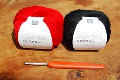 Rico essentials cotton for the crochet poppy free pattern Crochet Butterfly Free Pattern, Crochet Coaster Pattern, Crochet Flower Tutorial, Crochet Flower Patterns, Crochet Ideas, Knitting Patterns, Sewing Patterns, Knitted Poppies, Knitted Flowers