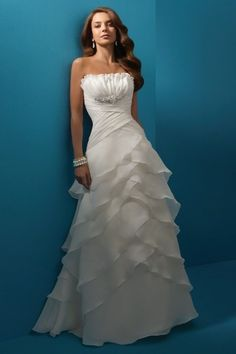 New Arrival Wedding Dresses A Line Strapless Sweep/Brush Train Organza