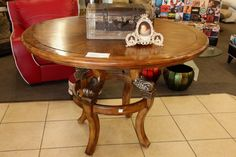 Round Entry Table - Colleen's Classic Consignment Las Vegas, NV - www.colleenconsign.com