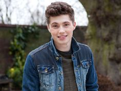 Hollyoaks sixth former to be shot in robbery Hollyoaks sixth former Callum Kane will be rushed to hospital after being shot later this month. Callum's life hangs in the balance after he is caught up. Anime Crying, Hollyoaks, Soap Stars, Tv Soap, Future Boyfriend, It Cast, Fandoms, Profile, Celebs
