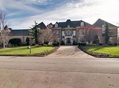 View 30 photos of this $3,999,000, 7 bed, 10.0 bath, 14651 sqft single family home located at 28 Governors Way, Brentwood, TN 37027 built in 2007. MLS # 1865675.