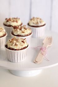 { a swoonful of sugar } : A Swoonful of Sugar's 1st Blogaversary & Low Fat Carrot Cupcakes