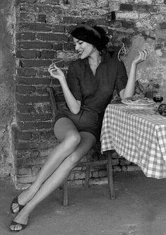 Italian style pin-up Italian Women, Italian Beauty, Italian Girls, Italian Fashion, Italian Style, Italian Life, Look Fashion, Retro Fashion, Fashion Women