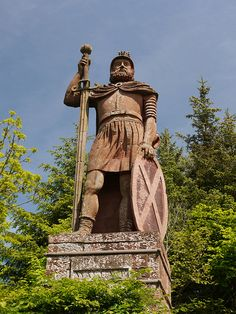 Sir William Wallace Monument ~someday I'd like to make my way over there ~