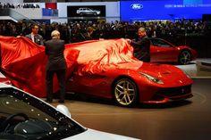 Официальное видео Ferrari F12berlinetta