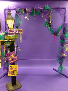 Photo backdrop for Mardi Gras Masquerade Father Daughter dance. Lamp post is from Oriental Trading. Used PVC for frame and used deco mesh and ribbons along with Mardi Gras beads to decorate. Dance Decorations, Dance Themes, Mardi Gras Decorations, Madi Gras Party, Mardi Gras Party Theme, Mardi Gras Float, Mardi Gras Photos, Daddy Daughter Dance, Mardi Gras Beads