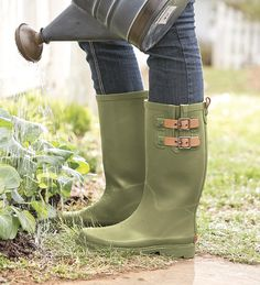 This classic Chooka rain boot in mint green with a satin finish is ...