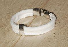 Biała jeansówka z klamrą White jeans bracelet with a buckle Fitbit Alta, White Jeans, Bracelets, Cotton, Jewelry, Fashion, Moda, Jewlery, Jewerly