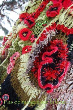 "Freeform Crochet - Ravelry: pasdenuages' ""Poppies of love"""
