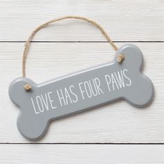Dog Themed Crafts, Puppy Crafts, Bone Crafts, Christmas Wood Crafts, Wood Dog, Dog Bones, Animal Decor, Crafts To Sell, Wooden Signs