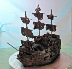 pirate ship cake | Pirate Ship Cake of The Black Pearl from Pirates of the Caribbean ...