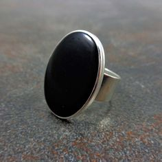 Statement Ring Black Silver Oval Ring Cocktail Ring by Pilboxx