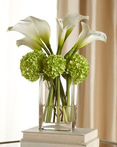 Calla Lilly Bouquet- love this combination  official flower for 30th anniversary