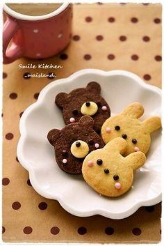 Bear and bunny cookies~ kawaii🐾 Kawaii Cookies, Cute Cookies, Bear Cookies, Desserts Japonais, Cute Food, Yummy Food, Cookie Recipes, Dessert Recipes, Cute Baking