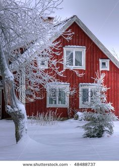 Red and white.Scandinavian Snowy cottage in Smaland, Sweden 03 Copyright: Henner Damke Swedish Cottage, Red Cottage, Swedish House, Scandinavian Cottage, Cozy Cottage, Swedish Christmas, Winter Christmas, Cottage Christmas, Christmas Morning