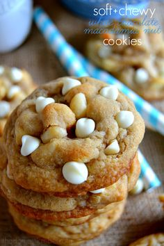 Nothing beats the buttery, soft and chewy taste and texture of these fabulous White Chocolate Macadamia Nut Cookies! Crispy edges, tender middles and bursting with white chocolate and crunchy nuts. #cookies