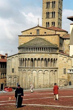 Find Arezzo fascinating. And I love the Piero della Francesca frescos http://www.turismo.intoscana.it/  Arezzo