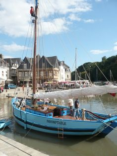 Auray, le port Region Bretagne, Ville France, House By The Sea, Love Boat, Tug Boats, French Countryside, Small Boats, Tall Ships, France Travel