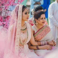 Baby pink bridal lehenga with emerald bridal jewellery. Indian Bridal Outfits, Indian Bridal Fashion, Bridal Dresses, Indian Dresses, Indian Clothes, Pink Bridal Lehenga, Wedding Lehnga, Wedding Mandap, Outfits Quotes
