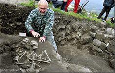 """Descubren la tumba de un nuevo """"vampiro"""" en un yacimiento medieval de Bulgaria - http://panamadeverdad.com/2014/10/13/descubren-la-tumba-de-un-nuevo-vampiro-en-un-yacimiento-medieval-de-bulgaria/"""