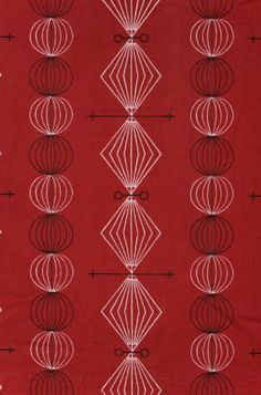Curtain at the Geffrye Museum (a superb resource). 'Spinners' design by Mary Warren for Heals 1950-1955 and not unlike the curtains my Granny had in the mid 1960s.