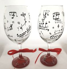 Hand Painted Musician's Wine Glasses http://handpainted-glasses.com/shop/musicians