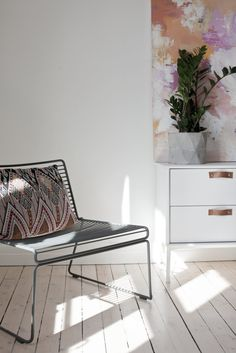 Hviitblogg.no HAY Hee from Hviit.no Barcelona Chair, Daybed, Lounge, Decking, Interior, Colour, Furniture, Space, Home Decor