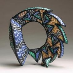 Marjorie Schick, Deflection, 1993, neckpiece, papier-maché, paint, 483 x 470 x 305 mm, photo: Gary Pollmiller