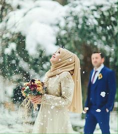 Stunning Muslim Bride Outfits with Hijab Ideas – Girls Hijab Style & Hijab Fashion Ideas Bridal Hijab, Hijab Wedding Dresses, Hijab Bride, Cute Muslim Couples, Romantic Couples, Wedding Couples, Romantic Weddings, Sweet Couples, Married Couples