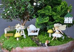 How to Recycle: Recycled Miniature Fairy Garden Designs