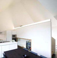 Woning in Hulste - De keuken & eetruimte geven uit op de voorkant en steken uit boven de zitruimte.