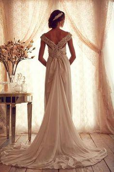 Stunning Wedding Dress by Anna Campbell 2013