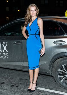 Love this blue dress with the style of shoe.  A retro hairstyle would have made this outfit.