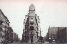 Warszawa - Kamienica na rogu Koszykowej i Pięknej (1936) Old Photography, Warsaw, Empire State Building, World War, Lost, City, Travel, Black, Photos