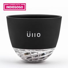 <li>Selective Sulfite Capture™ removes sulfites from any still wine</li> <li>Take advantage (or not) of optional aeration with just a simple twist</li> <li>Enjoy Üllo by the glass or by the bottle</li> <li>Use the included base to capture unruly drips</li>