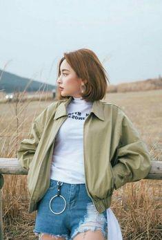 22 Korean Hairstyle to Imitate Your Korean Artist Style Ulzzang Fashion, Asian Fashion, Look Fashion, Fashion Outfits, Fashion Design, Mode Ulzzang, Ulzzang Girl, Teenage Hairstyles, Trendy Hairstyles