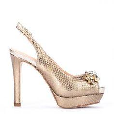 Peeptoe Pedro Miralles piel efecto serpiente joya delantera en platino #shoes #shoeporn #metal #style #peeptoes #joya #trends #ss16 #shoes #pedromiralles