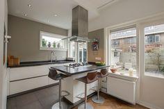 Jaren30woningen.nl | Moderne keuken voor een #jaren30 woning
