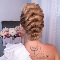 Bun Hairstyles For Long Hair, Pretty Hairstyles, Girl Hairstyles, Braided Hairstyles, Hair Up Styles, Medium Hair Styles, Hair Videos, Hair Looks, Hair Inspiration