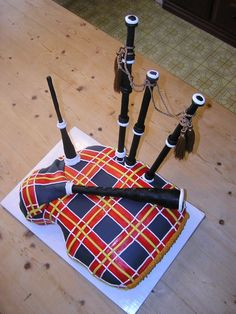I want someone to make me a bagpipe cake for my birthday this year!!  (JUNE!!...HINT HINT)  LOL