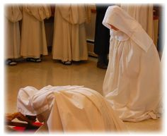 Cistercian Nuns of Valley of Our Lady Monastery,Wisconsin. nuns in Adoration of the Holy Cross
