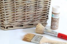 How to Create an Aged Driftwood Finish on Baskets how-to-stain-a-basket-grey-or-gray-like-driftwood… Folk Art paint in Barn Wood and Martha Stewart Sycamore Bark Painted Baskets, Painted Wicker, Wicker Baskets, Wicker Trunk, Wicker Planter, Wicker Table, Painting Wicker Furniture, Painted Furniture, Diy Furniture