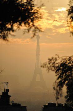 Paris sunset - Eiffel view from Montmartre