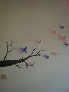 Diy muurschildering met 3d vlinders