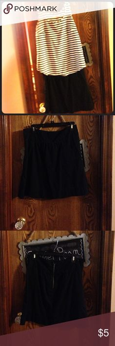 Skirt Cute (old navy brand) short black skirt with pockets in front A line, circle, skater, girl style. (Size 4) Old Navy Skirts