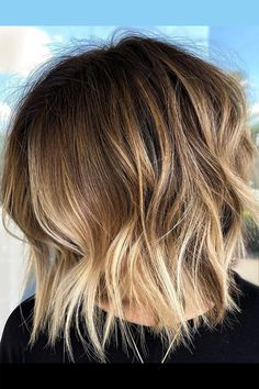 Glow up your weekend with this light blonde bob-lob hair created by hairstylist Summer Evans (@summerevansstudio). Go to our website and see our list of trendy choppy bob hairstyles. #choppybobhairstyles #bobhairstyles Medium Shag Haircuts, Choppy Bob Hairstyles, Lob Hairstyle, Latest Hairstyles, Easy Hairstyles, Copper Blonde Balayage, Bob With Bangs, Blonde Bobs, Light Blonde